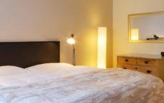 Zimmer-05-Bett